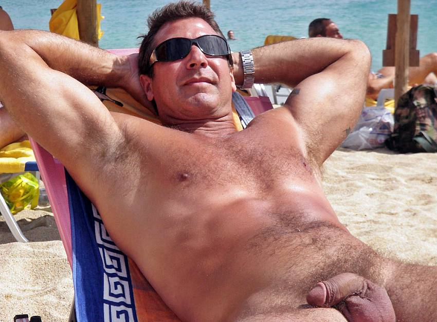 hidden photos of nude male beach